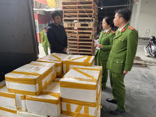 on-lanh-250kg-thung-ca-khoai-uop-phooc-mon-suyt-toi-tay-nguoi-dung