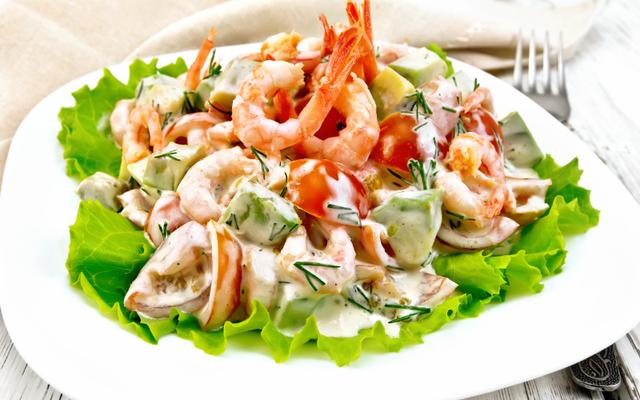 5-sai-lam-pho-bien-khien-nhieu-nguoi-chon-salad-giam-can-deu-that-bai