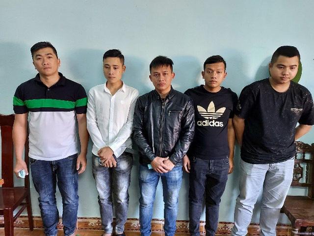 lo-dien-nhom-nguoi-duoc-tai-xe-xe-kim-lien-goi-den-hanh-hung-xe-an-phat