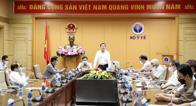 bo-y-te-de-nghi-nhanh-chong-hoan-thien-de-xem-xet-cap-phep-khan-cap-vaccine-nano-covax-made-in-vietnam