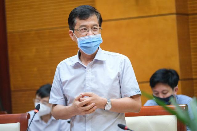 chuyen-gia-ly-giai-vi-sao-mui-1-tiem-vaccine-astrazeneca-mui-2-lai-pfizer