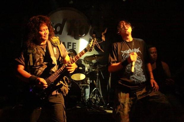 rocker-viet-vua-qu-a-d-o-i-vi-covid-19-la-ai