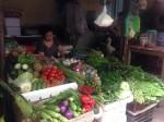 Giá rau xanh rục rịch tăng sau ngập lụt
