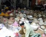 TP Hồ Chí Minh: Thu giữ hàng nghìn nón giả mạo thương hiệu nổi tiếng