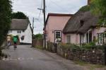 Khám phá ngôi làng kỳ bí mỗi năm cao thêm 2 cm ở Anh