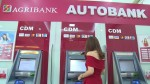 Ngân hàng nhà nước chỉ đạo các ngân hàng tạm dừng tăng phí ATM