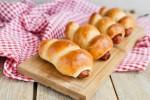 Mách bạn cách làm bánh mì xúc xích cực nhanh mà ngon