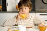 Lý do 'đáng sợ' được khoa học chứng minh nếu uống nước cam sai cách