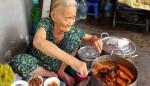 Mê mẩn tô phá lấu 20k ngon 'bá cháy' của bà ngoại 82 tuổi ở Sài Gòn
