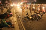 Ô tô tông hàng loạt xe máy, 5 người thương vong