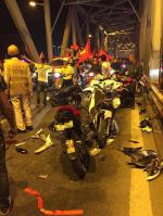 Ẩu đả, tai nạn giao thông liên tiếp trong đêm đi 'bão' mừng chiến thắng của đội tuyển Việt Nam