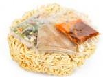 'Ngạc nhiên' với công đoạn chế biến gói gia vị trong mì ăn liền