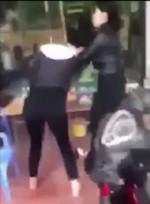 Phẫn nộ: Người vợ bị nhân tình của chồng đánh ghen, xịt dung dịch lạ vào mặt