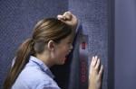 Phụ nữ cần trang bị kỹ năng gì nếu bị 'yêu râu xanh' sàm sỡ trong thang máy?