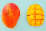 Xoài đỏ Nhật Bản về Việt Nam giá 1,2 triệu mỗi quả