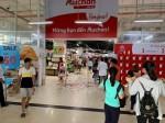Auchan xả hàng, người Việt tranh cướp, xả rác