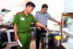 phat-hien-co-so-che-bien-gan-300kg-noi-tang-khong-ro-nguon-goc-boc-mui-hoi-thoi