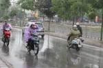 Hà Nội oi nồng trước khi đón mưa dông, gió giật mạnh