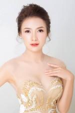 Nữ diễn viên xinh đẹp bức xúc vì bị tung tin