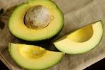 Mẹo vặt hay giúp trái bơ chín đều, không bị đắng mà chẳng cần dùng hóa chất