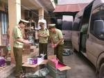 Chặn kịp thời hàng trăm tuýp mỹ phẩm trắng da do Trung Quốc sản xuất đang tuồn vào Lạng Sơn