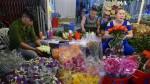 Thị trường quà tặng 20/10: Hoa tươi tăng giá, mỹ phẩm, du lịch giảm giá kích cầu