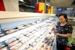 Thịt lợn tăng giá, người tiêu dùng lo lắng