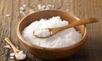 Đặt bát muối ở vị trí này trong nhà để cầu tiền tài vào nhà ầm ầm trong năm mới Canh Tý
