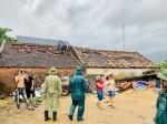 Lốc xoáy cuốn bay hàng chục mái nhà dân ở Hà Tĩnh