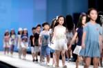 Mua biệt thự, kiếm tiền tỷ từ nghề người mẫu nhí và bức tranh tuổi thơ tăm tối phía sau ánh hào quang