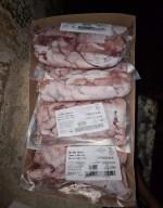 Cẩn trọng với kê gà, đuôi bò, chân giò heo đông lạnh giá chỉ vài chục nghìn đồng/kg