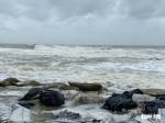 Vì sao bão số 13 tăng thêm 2 cấp và suy yếu khi vào bờ?