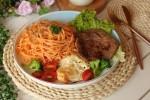Ăn cơm mãi cũng chán, bữa tối làm mì bò bít tết đảm bảo cả nhà ai cũng nức nở khen ngon!