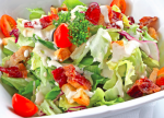 hoi-nghien-rau-me-salad-nhat-dinh-khong-the-bo-qua-6-cach-lam-nuoc-xot-cuc-mlem-mlem-nay-thao-tac-don-gian-can-duoc-tat-ca-cac-loai-salad-tren-doi