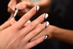 Những hóa chất độc hại tiềm ẩn khi làm nail
