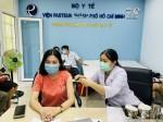 Bác sĩ BV Chợ Rẫy chia sẻ 'từ A đến Z' về tiêm vaccine COVID-19