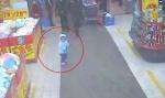 Cậu bé 5 tuổi thoát khỏi tay kẻ buôn người nhờ một câu nói