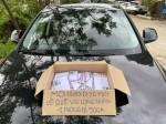 Chân dung hai người phụ nữ tặng phong bì tiền cho người dân về quê tránh dịch
