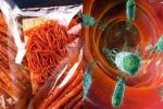 Học sinh trở lại trường sau dịch Covid-19: Cảnh báo đồ ăn vặt mất vệ sinh, 'ngậm' hóa chất