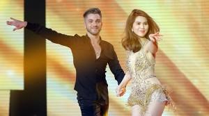 'Đứng hình' khi xem trọn vẹn màn nhảy 'mướt mắt' của Ngọc Trinh