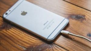 4 bí kíp để sạc điện thoại nhanh hơn