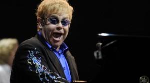 Thua kiện, Elton John không thể ngăn báo chí đưa tin về vụ kiện lạm dụng tình dục