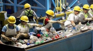 Nguyên liệu phế thải: Xu thế mới trong tương lai nhưng vẫn bị lệ thuộc
