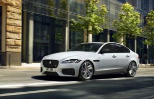 Jaguar khuyến mãi 400 triệu phí đăng ký trước bạ và 01 năm bảo hiểm