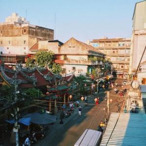 Lạc lối trong khu Chinatown đẹp mê mẩn giữa Sài Gòn