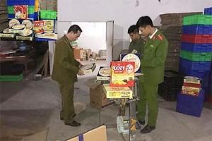 Phát hiện cơ sở sản xuất bánh kẹo nhái Danisa, Kinh đô