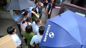 """Bà Chu Thị Bình: Eximbank đang """"dẫn dắt"""" thông tin theo hướng bất lợi cho khách hàng?"""