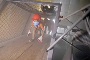 Dạy trẻ cách thoát hiểm khi gặp cháy nổ