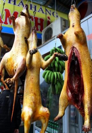 'Đội lốt' thịt thú rừng giá chát, đặc sản chùa Hương là 'hàng fake'?
