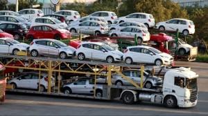 Hàng nghìn ô tô nhập khẩu về nước, dự đoán giảm hơn 200 triệu đồng/chiếc
